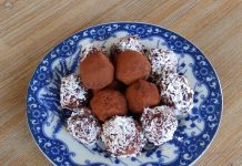 boules d´énergie à la betterave, dattes, amandes, noix, cacao