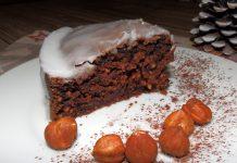 Gâteau au chocolat, noisettes moulues et épices de pain d´épices