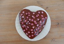 Gâteau chocolat-framboises moelleux et facile à faire