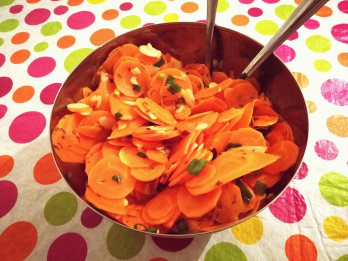 Salade de carottes aux amandes