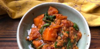 Curry de patates douces et lentilles corail