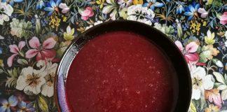 Soupe aux betteraves et au céleri