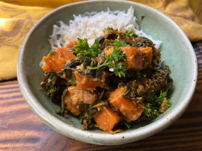 Ragoût de patates douces aux épinards et au kale