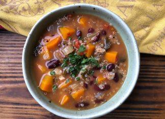 Soupe de quinoa aux haricots rouges