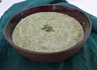 Soupe froide au concombre à l'aneth